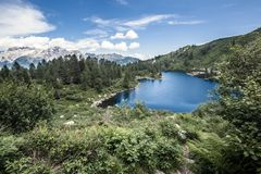 Όμορφη λίμνη στα ιταλικά βουνά Στοκ εικόνα με δικαίωμα ελεύθερης χρήσης