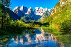 Όμορφη λίμνη Durrensee ή λίμνη Landro και το mounta δολομιτών Στοκ Εικόνα