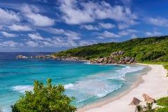 Όμορφη μεγάλη παραλία Anse στο νησί Λα Digue, Σεϋχέλλες Στοκ Φωτογραφίες
