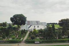 Όμορφη μικρή εκκλησία το πρωί στοκ φωτογραφία