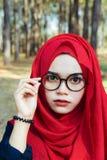 Όμορφη μουσουλμανική γυναίκα πορτρέτου μόδας στοκ φωτογραφίες