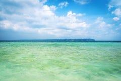 Όμορφη μπλε καραϊβική θάλασσα Στοκ Εικόνες
