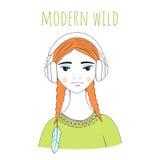 Όμορφη νέα γυναίκα με τα μεγάλα ακουστικά Στοκ Εικόνα