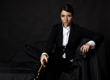 Όμορφη νέα γυναίκα με το cigare Στοκ Εικόνες