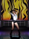 Όμορφη νέα γυναίκα που χορεύει στη σκηνή Στοκ Εικόνες
