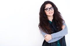 Όμορφη νέα γυναίκα στα γυαλιά στοκ εικόνα