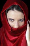 Όμορφη νέα γυναίκα στην κινηματογράφηση σε πρώτο πλάνο στοκ εικόνα με δικαίωμα ελεύθερης χρήσης