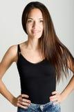 Όμορφη νέα γυναίκα χωρίς σύνθεση στο άσπρο υπόβαθρο Στοκ Εικόνες