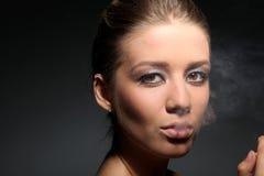 Όμορφη νέα γυναίκα Στοκ εικόνα με δικαίωμα ελεύθερης χρήσης