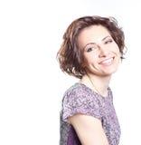 Όμορφη νέα χαμογελώντας γυναίκα Στοκ φωτογραφία με δικαίωμα ελεύθερης χρήσης