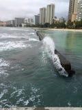 Όμορφη νεφελώδης ημέρα σε Waikiki Στοκ φωτογραφία με δικαίωμα ελεύθερης χρήσης