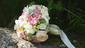 όμορφη νύφη ανθοδεσμών Στοκ Εικόνες