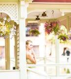 όμορφη νύφη υπαίθρια Στοκ Εικόνες