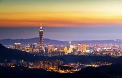 Όμορφη νύχτα πόλεων της Ταϊπέι Στοκ Φωτογραφίες