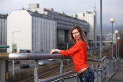 Όμορφη ξανθή γυναίκα στις οδούς της Βιέννης Στοκ εικόνες με δικαίωμα ελεύθερης χρήσης