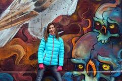 Όμορφη ξανθή γυναίκα στις οδούς της Βιέννης Στοκ Φωτογραφία