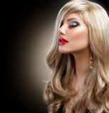 Όμορφη ξανθή γυναίκα στοκ φωτογραφία