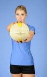 όμορφη ξανθή θηλυκή εσωτε& Στοκ εικόνα με δικαίωμα ελεύθερης χρήσης