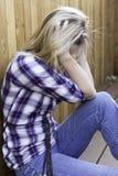 Όμορφη ξανθή ματαιωμένη και λυπημένος Στοκ Εικόνα