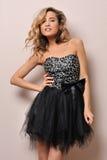 όμορφη ξανθή φαντασία φορεμάτων Στοκ φωτογραφία με δικαίωμα ελεύθερης χρήσης