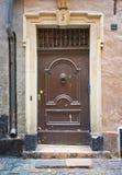 Όμορφη ξύλινη πόρτα, παλαιά αρχιτεκτονική Στοκ Εικόνες