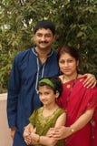 όμορφη οικογένεια Ινδός Στοκ Εικόνες