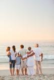 όμορφη οικογένεια παραλ&io στοκ εικόνα