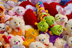 Όμορφη ομάδα παιχνιδιών παιδιών στην αγορά Στοκ φωτογραφία με δικαίωμα ελεύθερης χρήσης