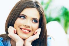 όμορφη ομορφιάς γυναίκα πορτρέτου φύσης ματιών makeup φυσική στενό πρόσωπο - επάνω Στοκ φωτογραφία με δικαίωμα ελεύθερης χρήσης