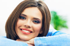όμορφη ομορφιάς γυναίκα πορτρέτου φύσης ματιών makeup φυσική στενό πρόσωπο - επάνω Στοκ εικόνες με δικαίωμα ελεύθερης χρήσης