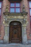 Όμορφη παλαιά πόρτα στην παλαιά πόλη του Γντανσκ Πολωνία στοκ φωτογραφία με δικαίωμα ελεύθερης χρήσης