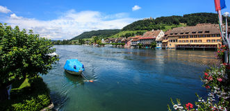 Όμορφη πανοραμική άποψη της πόλης Stein AM Ρήνος στον ποταμό του Ρήνου στο ελβετικό καντόνιο ομορφιάς Schaffhausen Στοκ φωτογραφία με δικαίωμα ελεύθερης χρήσης