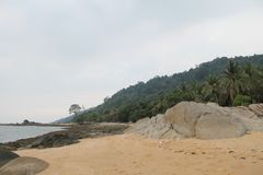 Όμορφη παραλία και πέτρινη Ινδονησία Temajuk Στοκ εικόνα με δικαίωμα ελεύθερης χρήσης