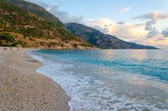 Όμορφη παραλία στο δημοφιλές τουρκικό θέρετρο Oludeniz, Τουρκία Στοκ Εικόνες