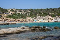 Όμορφη παραλία Tigania στην ελληνική χερσόνησο Sithonia Στοκ Φωτογραφία