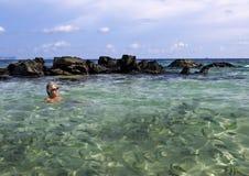Όμορφη παραλία - η παραλία σε ένα τροπικό island Στοκ Εικόνα