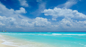 Όμορφη παραλία σε Cancun Στοκ Εικόνα