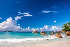 Όμορφη παραλία στις Σεϋχέλλες Στοκ Φωτογραφίες