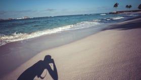 Όμορφη παραλία στο Μεξικό που παίρνει τις φωτογραφίες Στοκ εικόνα με δικαίωμα ελεύθερης χρήσης