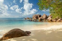 Όμορφη παραλία των Σεϋχελλών στο Λα Digue Στοκ εικόνα με δικαίωμα ελεύθερης χρήσης