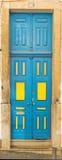 Όμορφη παλαιά πόρτα στη Λισσαβώνα κοντά στο Castle του ST George στοκ φωτογραφία με δικαίωμα ελεύθερης χρήσης