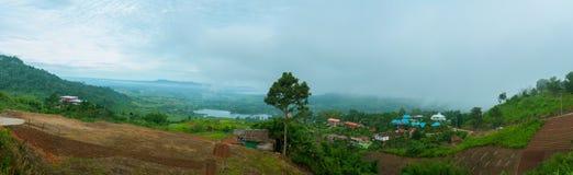 Όμορφη περίοδος βροχών υδρονέφωσης τοπίου βουνών στο khao-Kho Phetchabun, Ταϊλάνδη Στοκ Εικόνα