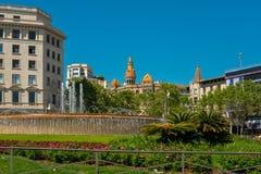 Όμορφη πηγή σε Plaza Catalunya Στοκ Φωτογραφία