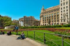 Όμορφη πηγή σε Plaza Catalunya Στοκ φωτογραφία με δικαίωμα ελεύθερης χρήσης