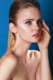 Όμορφη πολυτέλεια Makeup, μακροχρόνια eyelashes, τέλειο δέρμα μόδας Στοκ Εικόνα
