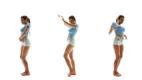 Όμορφη προκλητική γυναίκα στα σορτς και μπλούζα που χορεύει και μουσική ακούσματος, σύνολο κολάζ απόθεμα βίντεο