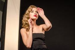 Όμορφη προκλητική ξανθή εικόνα στούντιο Στοκ φωτογραφίες με δικαίωμα ελεύθερης χρήσης
