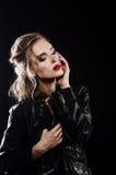 Όμορφη προκλητική ξανθή εικόνα στούντιο Στοκ Εικόνα