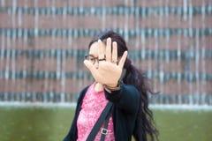 Όμορφη προσωπικότητα που δεν λέει καμία φωτογραφία Στοκ φωτογραφία με δικαίωμα ελεύθερης χρήσης