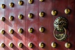 Όμορφη πόρτα παραδοσιακού κινέζικου Στοκ εικόνα με δικαίωμα ελεύθερης χρήσης